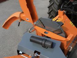 hydraulischer holzhäcksler mit eigenölversorgung für traktor mod dk 1800
