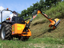 hydraulischer böschungsmulcher mit auslegearm für traktor mod airone 100
