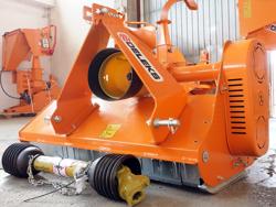 schlegelmulcher für traktoren leichte ausführung 100 cm für rasen obst und weingärten mod lince 100