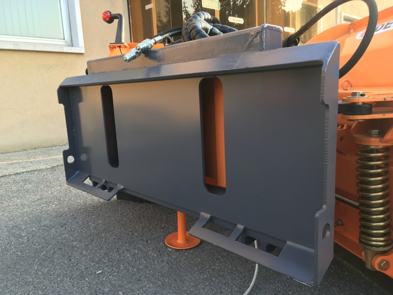 schneepflug-für-minibagger-mod-lnv-180-m