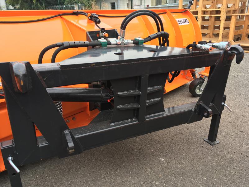 schneeschild-mit-euroaufnahme-für-frontlader-schwere-ausführung-mod-ssh-04-2-6-e