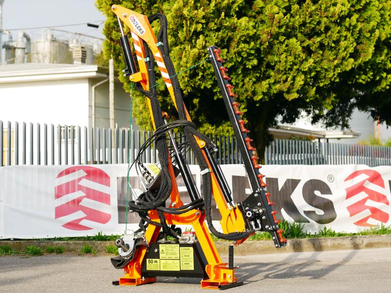 hydraulischer-arm-mit-160cm-mähbalken-mod-falco-160