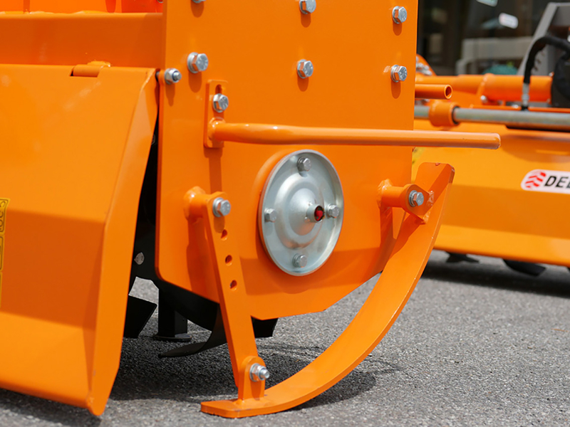 bodenfräse-für-traktoren-mod-dfh-135
