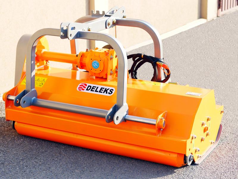mittelschwerer-mulcher-mit-hydraulische-seitenverstellung-für-alle-mittleren-traktoren-mit-reifen-oder-gleisketten-mod-rino-140