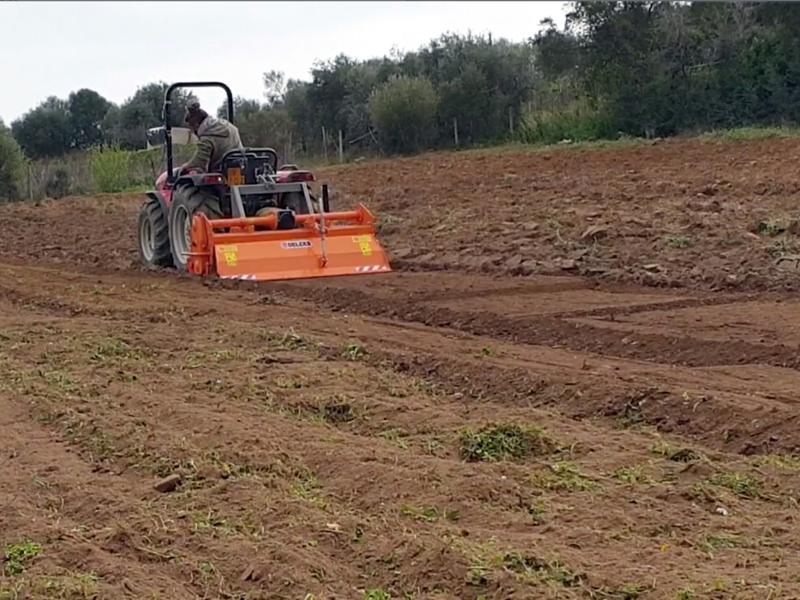 bodenfräse-für-traktoren-hydraulische-seitenverstellung-mod-dfh-idr-150