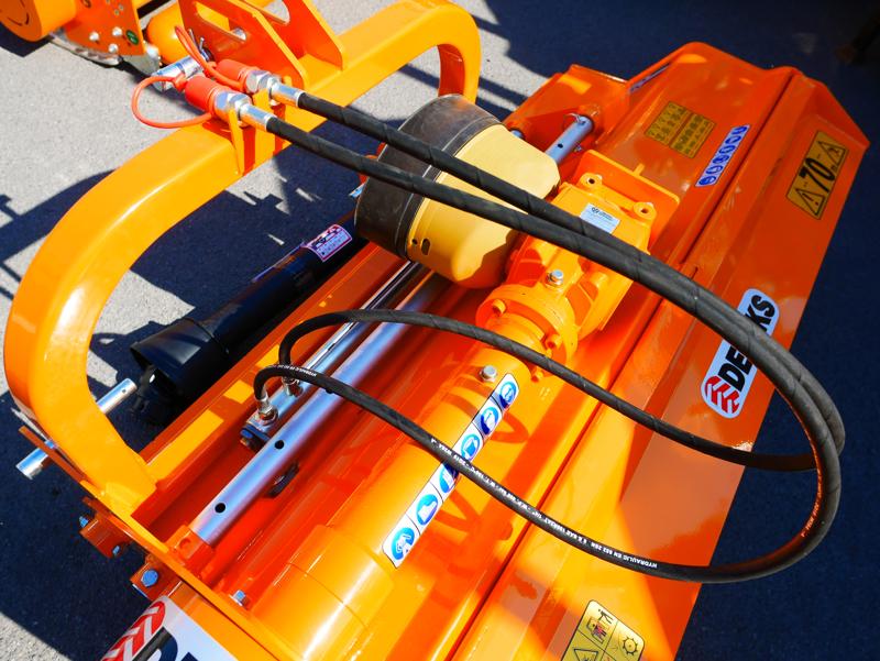 schlegelmäher-mit-hyadraulisch-seitenverstellbar-für-mittelschwere-traktoren-leopard-160-sph
